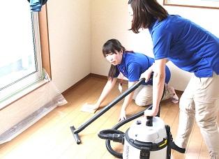 お部屋の清掃作業